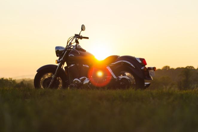 motorcycle-933022_1920.jpg